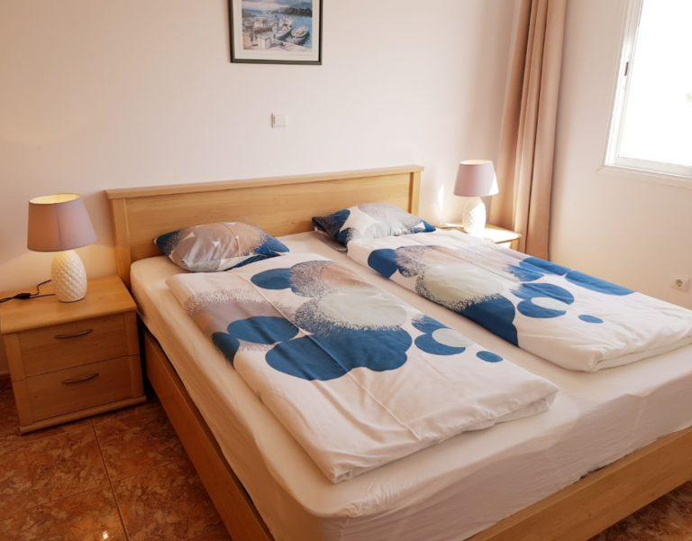 Hauptschlafzimmer_betten_Ferienwohnung_A16_NEU