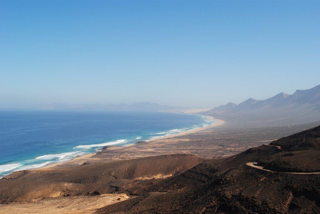 Landschaft und Strand